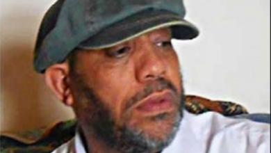 Photo of الكاتب الصحفي سالم أبو ظهير يقرأ النصوص الأدبية
