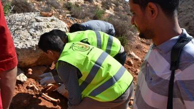 فتح قبور ضحايا الإرهاب في درنة