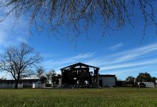 المركز الإسلامي في فكتوريا بعد حرقه