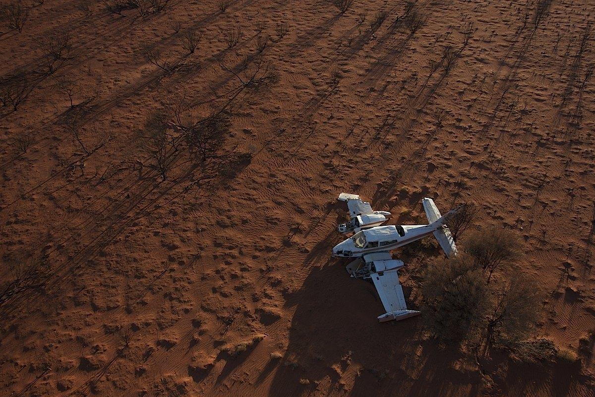 طائرة ناجية من هبوط إضطراري
