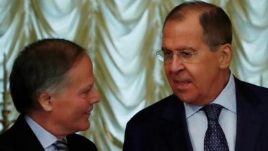 وزير الخارجية الروسي سيرجيو لافروف، ونظيره الإيطالي وإينزو موافيرو ميلانيزي