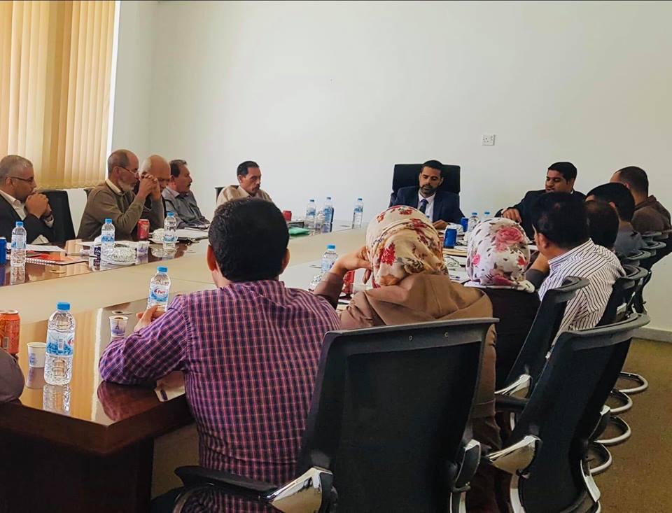 صحة المؤقتة تعقد اجتماعا موسّعا مع مديري المستشفيات القروية