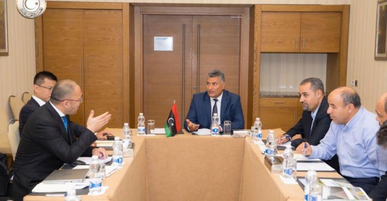 اجتماع لجنة تنمية وتطوير المشروعات الاقتصادية والاجتماعية في المجلس الأعلى للدولة ومجموعة قازوباء