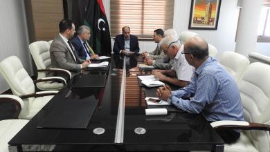 اجتماع عبدالسلام كاجمان ومسؤولي شركات توزيع النفط والغاز (شركة الراحلة، شركة الشرارة)