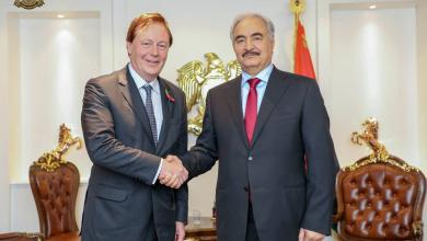Photo of حفتر يستقبل السفير البريطاني في الرجمة
