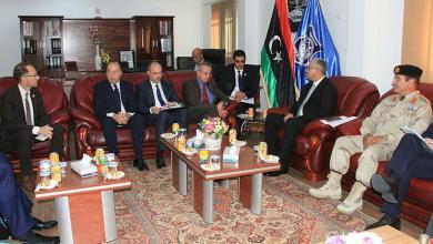 اجتماع فتحي باشاغا مع نائب الأمين العام للسياسة الأمنية والدفاعية المشتركة والتصدي للأزمات بالاتحاد الأوروبي بادرو هادر