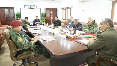 Photo of قيادات أمنية تبحث إنهاء الجريمة في بنغازي