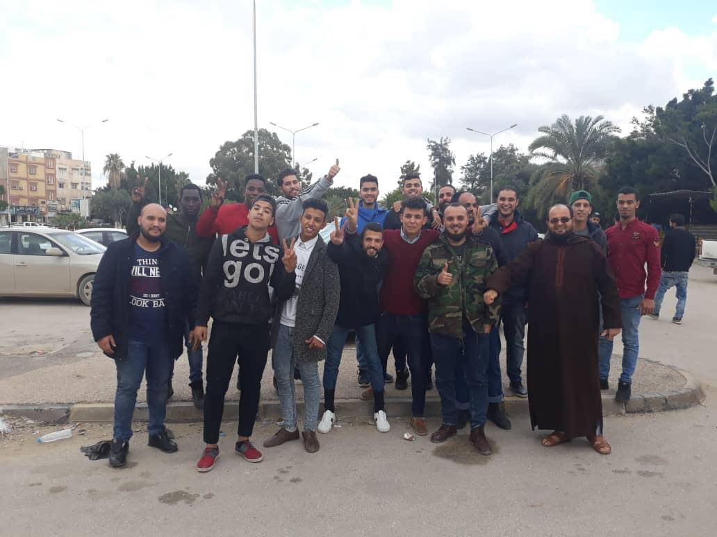 """العاملين في مقهى """"كازا"""" - بنغازي"""
