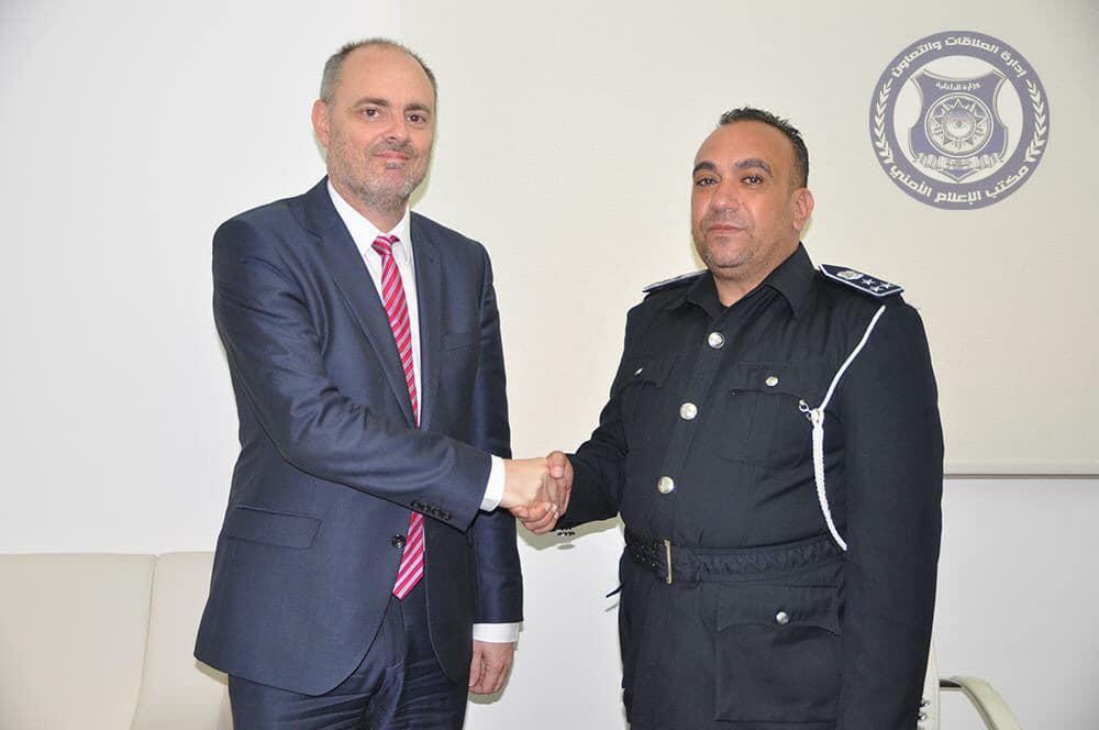 مدير الإدارة العامة لحماية البعثات الدبلوماسية، عميد وسام بن جامع - سفير الاتحاد الأوروبي لدى ليبيا، ألن بوغيا