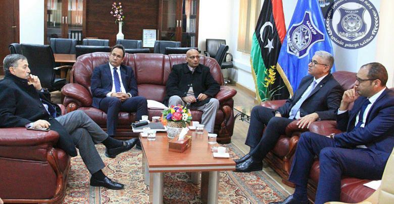اجتماع جمع كل من عثمان عبدالجليل مع وزير الداخلية في حكومة الوفاق فتحي باشاغا، إضافة إلى وزير التخطيط الطاهر الجهيمي