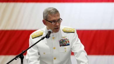 Photo of وفاة قائد البحرية الأمريكية في الشرق الأوسط