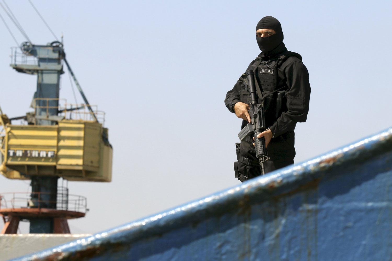 تركيا تتحرك على الساحة الليبية في خطوط متوازية، فهي تقدم دعما لافتا للكتائب المسلحة