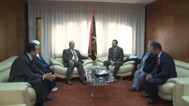 Photo of القنطري يتباحث قضايا الشباب مع ممثل اليونيسيف في ليبيا