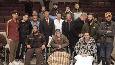 Photo of الثني يتفقد جرحى الجيش في القاهرة