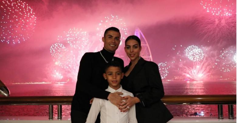كريستيانو رونالدو وعائلته
