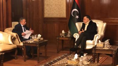فائز السراج مع السفير الروسي لدى ليبيا إيفان مولوتكوف