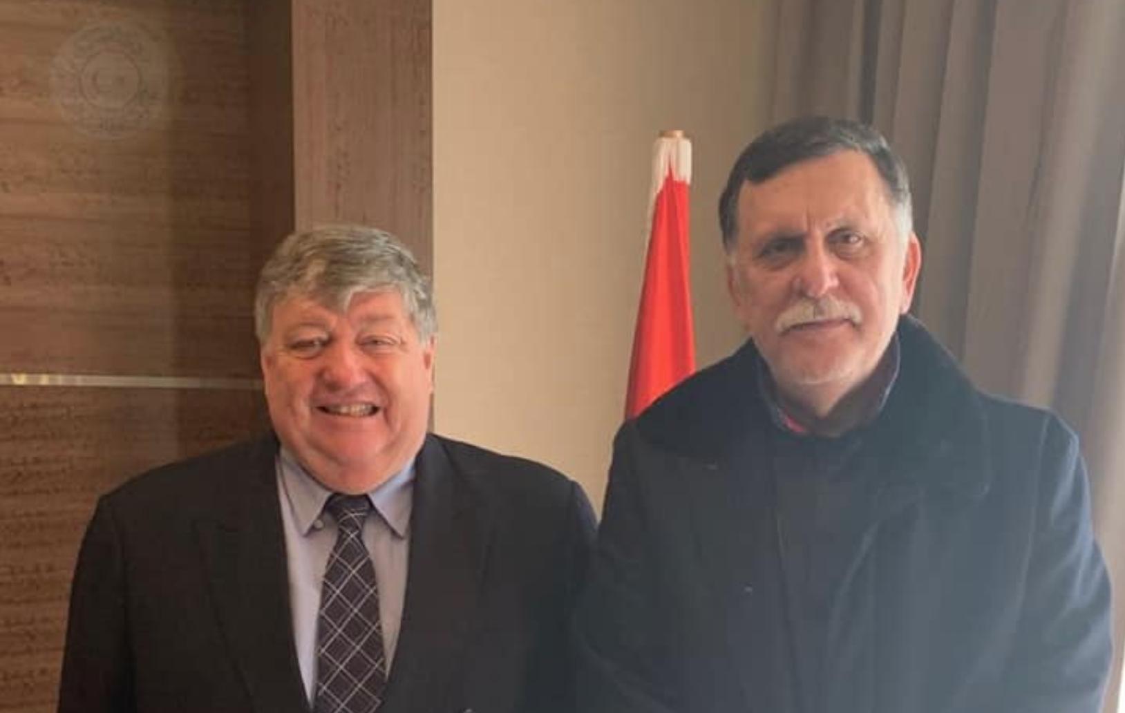 فائز السراج مع سفير الولايات المُتحدة الأميركية لدى ليبيا بيتر بودي