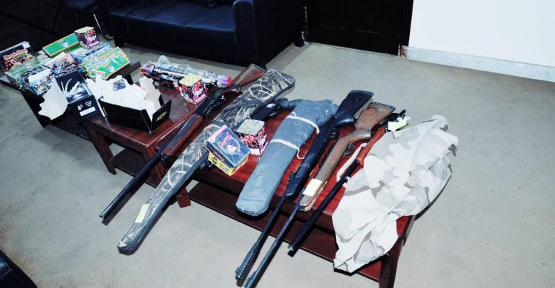 محال سجائر يبيع أسلحة وزيا للجيش- البيضاء