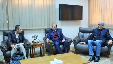 لقاء رئيس المجلس التسييري لبلدية بنغازي الصقر عمران بوجواري بوفد من بعثة الأمم المتحدة للدعم في ليبيا