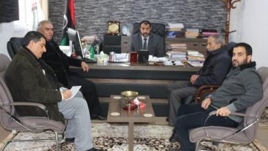 """Photo of """"الحاسي"""" يتعهد بدعم المجلس البلدي عمر المختار"""