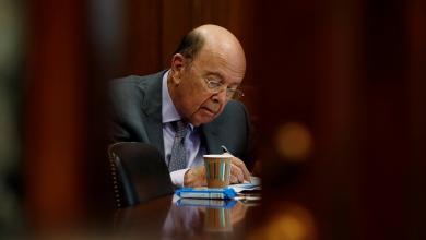 Photo of وزير التجارة الأميركي ينصح الموظفين بأخذ قروض أثناء الإغلاق