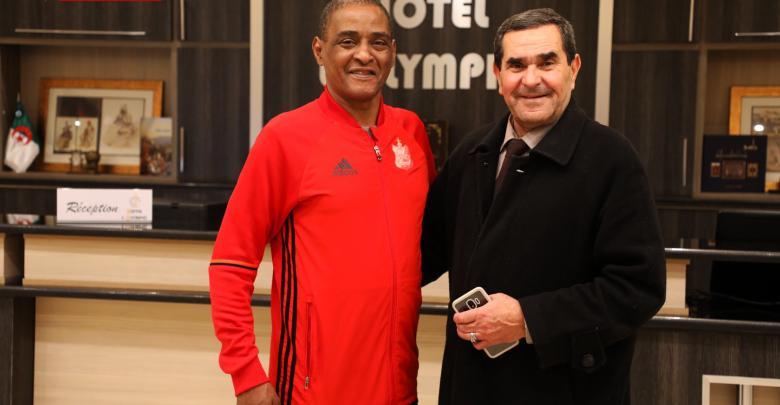 المدرب الجزائري السابق لفريق الأهلي بنغازي عبدالرحمن المهداوي