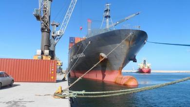 Photo of وصول أكثر من 150 حاوية بضائع لميناء بنغازي