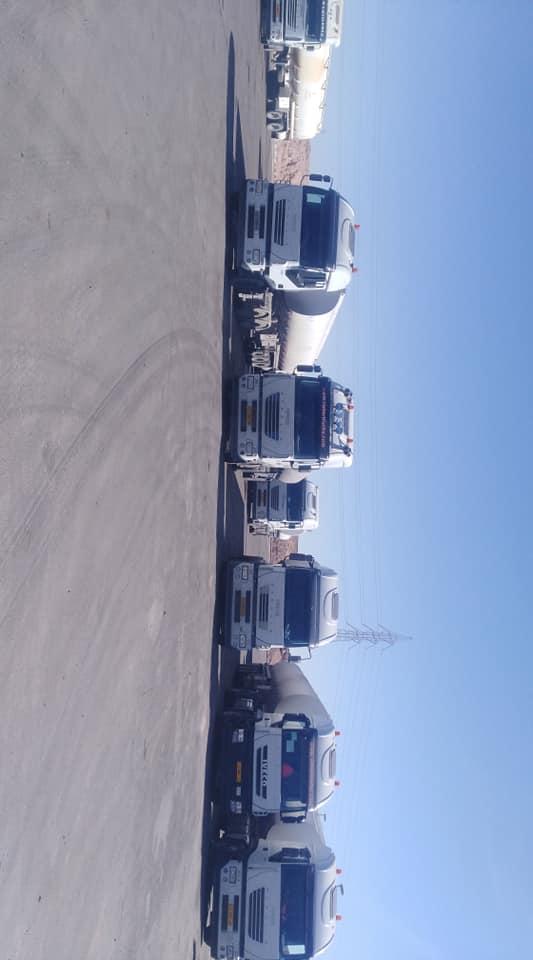قافلة شاحنات مُحملة بنزين تتجه نحو المنطقة الجنوبية