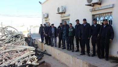 Photo of الإيقاع بسارقي كوابل نحاسية في بنغازي