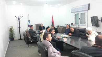 "Photo of بلدية زمزم تبحث ""الإمداد المائي"" مع ""الوطنية للموارد"""