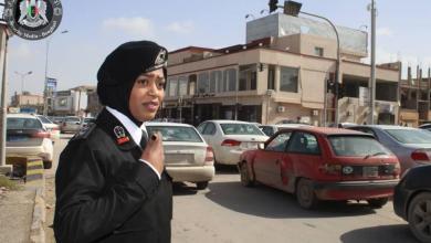 الشرطة النسائية في بنغازي تنفذ حملة على المركبات المخالفة
