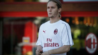 صورة لاعب ميلان الكرواتي ينتقل إلى بلجيكا