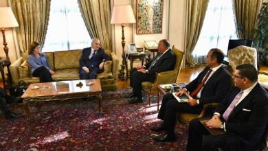 Photo of مصر تتمسك بالحوار لحل الأزمة الليبية
