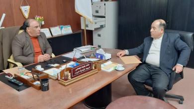 عميد بلدية سرت مختار المعداني - مراقب التعليم في البلدية مفتاح علي عبد الكافي
