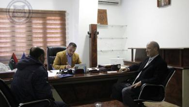 وكيل وزارة داخلية الوفاق لشؤون الهجرة غير الشرعية محمد الشيباني ومدير الإدارة العامة لأمن المنافذ ومدير الإدارة العامة لأمن السواحل