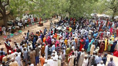 صورة البدء بفرز الأصوات في انتخابات الرئاسة النيجيرية