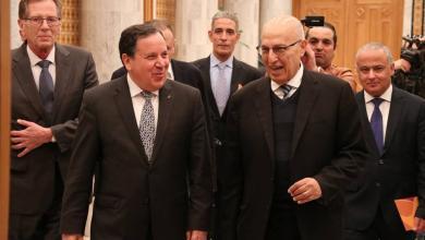 """Photo of مستشار """"عبّاس"""" يحمل رسالة إلى """"تونس"""""""