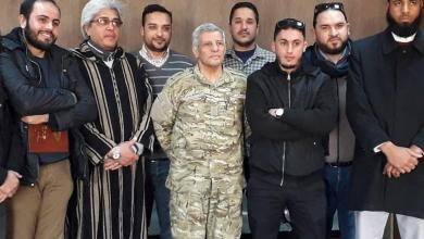 "Photo of ""الحاسي"" يلتقي أفراد ""القافلة الطبية"" في الجنوب"