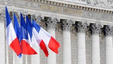 Photo of غالبية الفرنسيين يؤيدون استفتاءً حول مواد دستورية