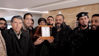 Photo of نشطاء من بنغازي يُكرّمون مُشاركون بتحرير درنة