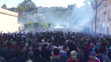 احتجاجات الجزائريين على ترشح الرئيس عبد العزيز بوتفليقة