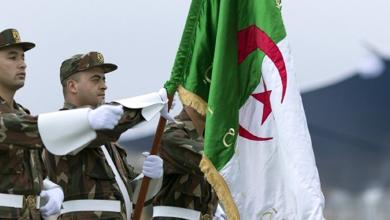 Photo of الجيش يدعو لطرح مبادرات لحل الأزمة في الجزائر