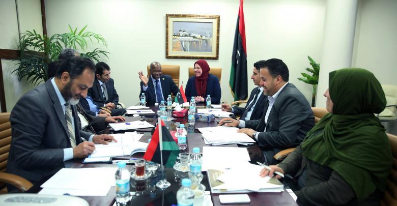 بحث سبل إعادة هيكلة المؤسسات بحكومة الوفاق