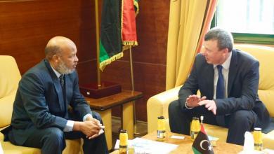 لقاء السفير الأوكراني لدى ليبيا ميكولا ناهورني مع وزير الصحة المُفوض، أحمد محمد بن عمر