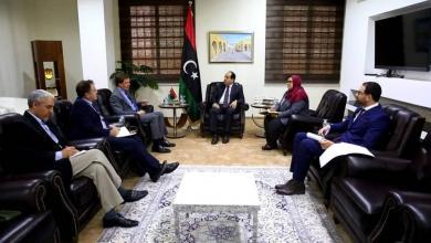 Photo of معيتيق يبحث مع بيكر التعاون الثنائي بين ليبيا وبريطانيا
