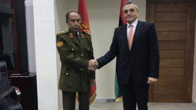Photo of السفير الإيطالي يعقد اجتماعا مع الشريف