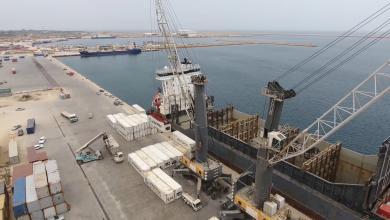 Photo of ميناء الخمس يترقب المئات من حاويات البضائع