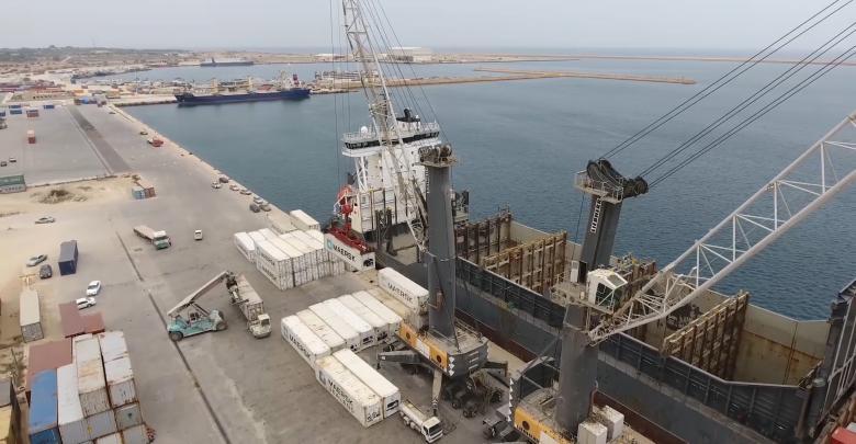 Photo of ميناء الخمس بانتظار دخول عدد من السفن التجارية