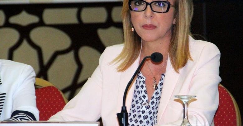 وزيرة شؤون الشباب والرياضة، سنّية بالشيخ