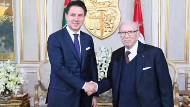 الرئيس التونسي الباجي قايد السبسي ورئيس الوزراء الإيطالي جوزيبي كونت